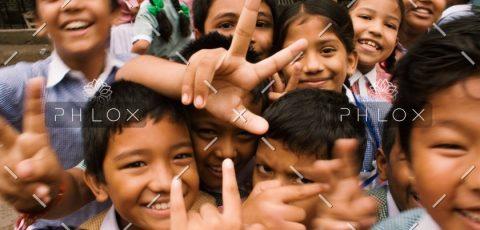 demo-attachment-97-children-close-up-crowd-764681@2x